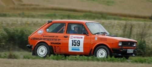 FiatAutoglym08EK2SivustaPellollaTiukempiRajaus.jpg